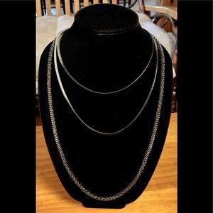 5/$25 Silvertone Serpentine Chain Necklace Trio